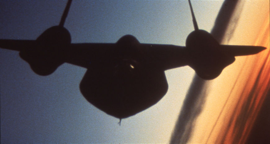 IMAGE: Jet flying
