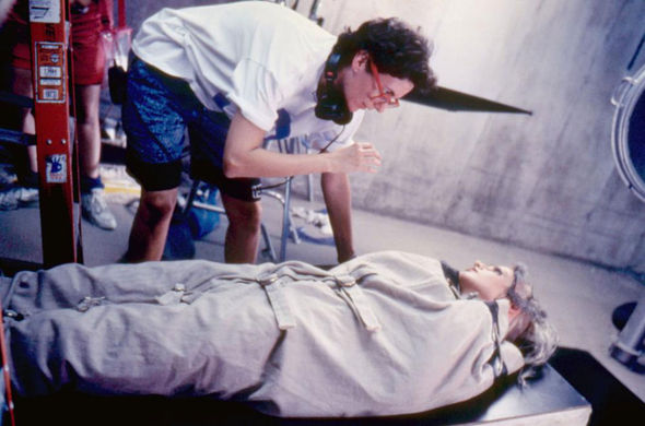 IMAGE: Photo – Rachel Talalay directing Lori Petty