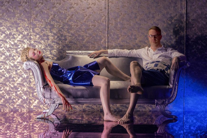 IMAGE: Elle Fanning & Nicolas Winding Refn on Set